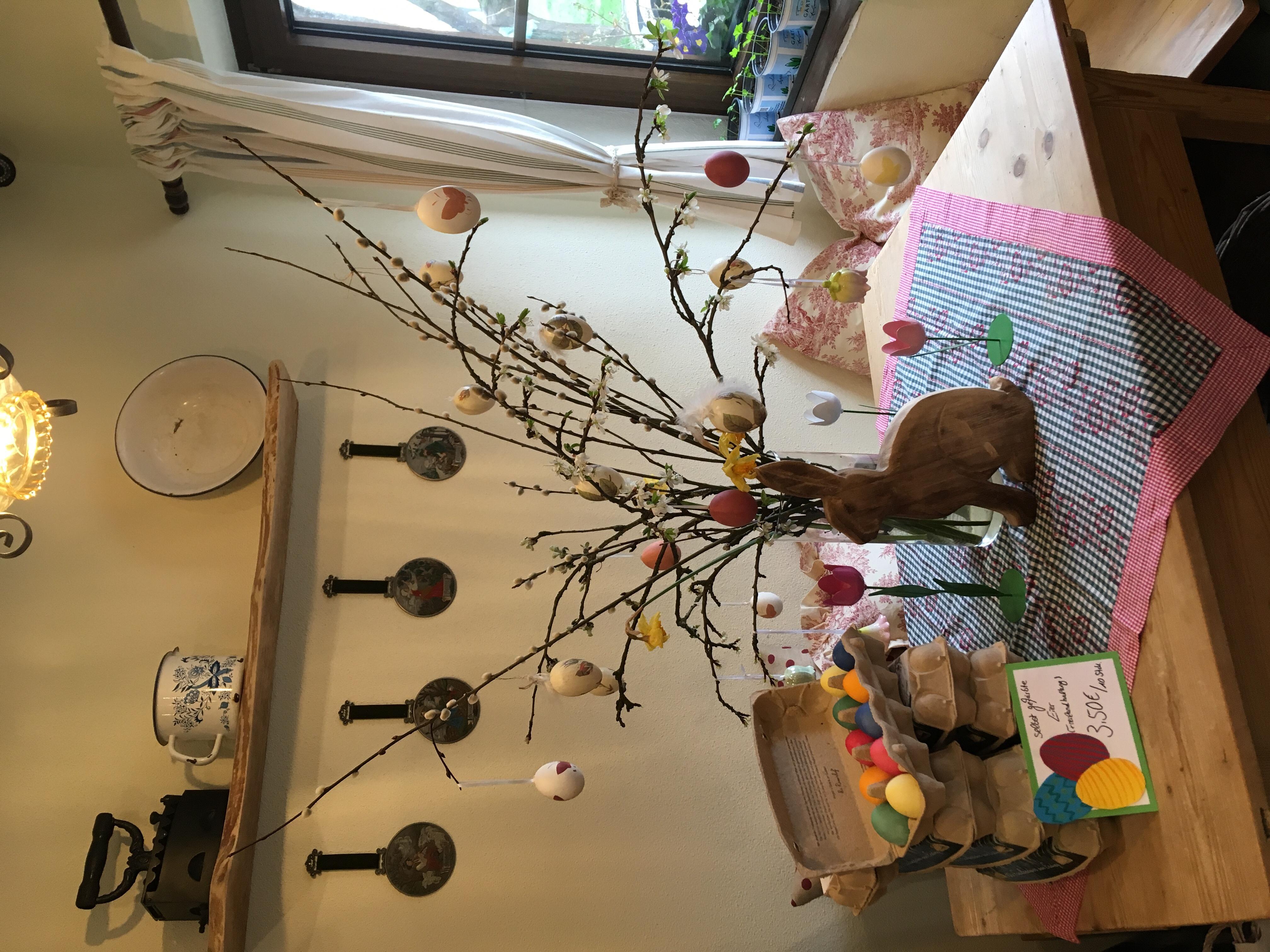 Zur Osterzeit jetzt auch bunte Eier in Doisl's Hofladen